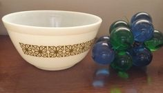 Hey, I found this really awesome Etsy listing at https://www.etsy.com/listing/457958450/pyrex-verde-mixing-bowl-pyrex-nesting