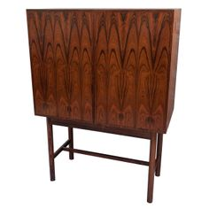 A fine Rosewood Drinks Cabinet by Robert Heritage for Archie Shine.