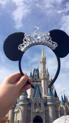 LIMITED Special Price Gorgeous Tiara Minnie Mouse ears Headband by MinnieTiaras on Etsy Diy Disney Ears, Mickey Mouse Ears Headband, Disney Mickey Ears, Disney Bows, Disney Diy, Disney Crafts, Disney Outfits, Disney Trips, Disney Ideas