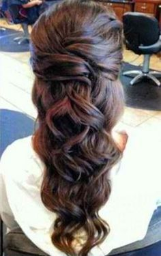 This would be pretty wedding hair. Simple easy and a sophisticated look.