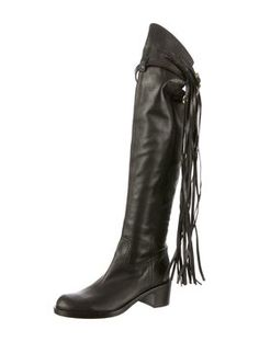 Gucci Devendra Fringe 38 Boots. Get the must-have boots of this season! These Gucci Devendra Fringe 38 Boots are a top 10 member favorite on Tradesy. Save on yours before they're sold out!