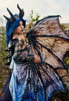 """sharemycosplay: """"  #Cosplayer Shadow Wing Cosplay with an amazing Frost Dragon…"""