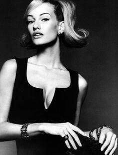Glamour Italia, mid 90s Photographer : Michel Comte Model : Karen Mulder