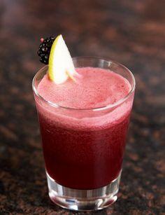 Blackberry, Pear and Grapefruit for a Juicier Juice