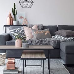 Saturday Kreo Home interior inspo 'living spaces' segment. I just adore this space! Oh my!! When can I move in? Image via Pinterest.   #kreohome #kreointeriorinspo #interiorinspo #interiordesign #interiorspaces #interiorstyling #stylinginspo #decor #design #designinspo #livingspaces #pinterest #propertystyling #homedecor #homewares #homestyling #furniture #softfurnishings #cushions #lifestyle #colourtrends #wallart #lighting #livingroom #grey #blush