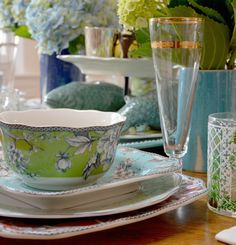 Mixing and matching on your table is a great way to utilize what you have and helps entertaining in a small space easier. Small Places, Mix Match, Some Fun, Color Mixing, Tablescapes, Dinnerware, Tea Cups, Entertaining, Space