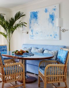 Ellen Kavanaugh Interiors is a boutique interior design firm that specializes in residential design and serves Florida, Palm Beach, New York, and more. Home Decor Colors, Colorful Decor, Colorful Rooms, Boutique Interior Design, Nordic Interior, Tropical Style, White Houses, Inspired Homes, Delft