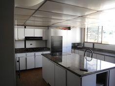 Con  una gran potencial esta cocina esta ubicada en PH de mas de 450 Mts, al actualizarse c ontarás con un gran espacio para compartir con tus invitados y familiares. Vendo a precio de oportunidad contactame 04122395016