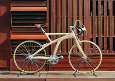 Ricor's wooden bike is inspired by the new technology by Olympus – 3-Dimensional compression molding process for wooden materials.