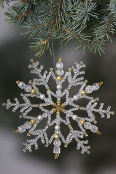 1 million+ Stunning Free Images to Use Anywhere Beaded Christmas Decorations, Snowflake Ornaments, Beaded Ornaments, Christmas Snowflakes, Diy Christmas Ornaments, Handmade Christmas, Holiday Crafts, Snowflake Craft, Crochet Christmas