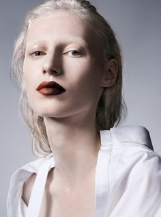 Julia Nobis stars in a beauty cover story for the January 8th, 2017 issue of The Sunday Times Style Magazine.…