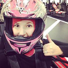 いいね!15件、コメント1件 ― Jennaさん(@jennasharp18)のInstagramアカウント: 「Whoop whoop!!! Speeders fun tonight racing for Simon's B-day!!! 😃👍🏻🚘🚙🚗🚕🎉」