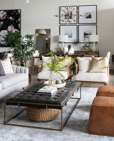 24 Amazing Coffee Table Styling To Living Room Ideas. If you are looking for Coffee Table Styling To Living Room Ideas, You come to the right place. Below are the Coffee Table Styling To Living Room . Home Living Room, Living Room Designs, Living Room Decor, Table For Living Room, Dining Rooms, Barn Living, Bedroom Decor, Table Cafe, Decorating Coffee Tables