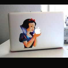 mac picture with snow white | Via Julianne DeLay