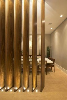The room divider is a great solution to define a space without the need to build a wall or a wall. The option for hollow partitions has been found in Wood Partition, Living Room Partition Design, Living Room Divider, Room Partition Designs, Interior Architecture, Interior Design, Design Case, Ceiling Design, Wall Design
