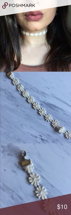 HANDMADE Ivory Daisy Choker ✨Handmade by me  ✨11 inch of material, 14 inch w/ chain ✨Silver accents (lobster clasp, chain) ✨WILL DO A CUSTOM BUNDLE ✨Cute, stylish and comfortable ❤️ Jewelry Necklaces