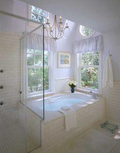 White Wednesday: pristine white bathroom