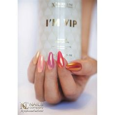 Gold Rush on nails - Effect woooowwwwww. Present Nails Company