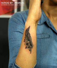 feather tattoo - The Effective Pictures We Offer You About diy A quality picture can tell you many things. Feather Tattoo Arm, Feather Tattoo Design, Feather With Birds Tattoo, Bird Tattoo Wrist, Lace Tattoo, Tattoo Moon, Flower Hip Tattoos, Small Tattoos, Stomach Tattoos