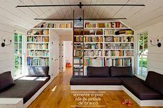 sala estante. sofa  Casa de Valentina -UMA CASA PEQUENA E SIMPLES