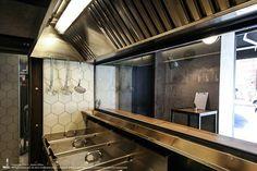 Unto Fast Food Restaurant by Studio DiDeA, Palermo - Italy Palermo Italy, Brunch Cafe, Fast Food Restaurant, Design Furniture, Retail Design, Stores, Coffee Shop, Architecture Design, Restoration