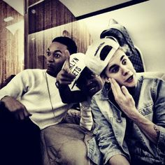 Photos: Justin Bieber And His Friends Make Funny Faces - http://belieberfamily.com/2012/12/13/photos-justin-bieber-and-his-friends-make-funny-faces/