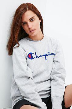 Champion - Sweat gris avec logo - Urban Outfitters