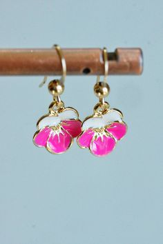 Messing, Kind Mode, Gold, Drop Earrings, Jewelry, Small Earrings, Hot Pink Flowers, Jewlery, Bijoux
