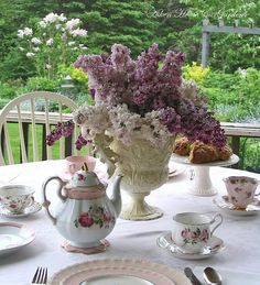 Aiken House & Gardens: For the Love of Lilacs