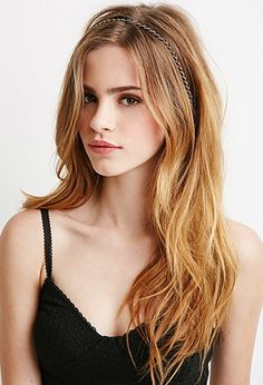 Forever 21 is the authority on fashion & the go-to retailer for the latest trends, styles & the hottest deals. Bridget Satterlee, Little Girl Models, Hottest Female Celebrities, Photo Portrait, Most Beautiful Faces, Redhead Girl, Girl Face, Stylish Girl, Forever 21