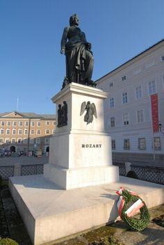 Mozart statue (Salzburg)