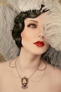 Bildresultat för 1920 makeup looks - DİY - Make Up - SKin Care 1920 Makeup, 1920s Makeup Gatsby, Roaring 20s Makeup, Art Deco Makeup, Flapper Makeup, Burlesque Makeup, Makeup Geek, Lip Makeup, Party Makeup