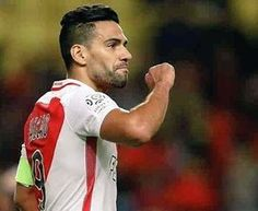 ¡EL RESURGIR DEL TIGRE! El colombiano Radamel Falcao llegó hoy a 16 goles en 19 partidos con el Mónaco. Champions, Football Soccer, My Man, Shit Happens, Baseball Cards, Running, Instagram Posts, Sports, Men
