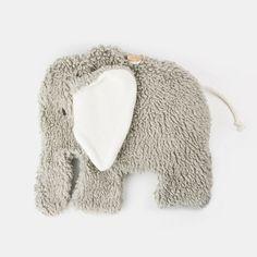 Kirschkerntier und Wärmekissen Elefant hellgrau mit herausnehmnbaren Inlett von Plü Natur | Echtkind
