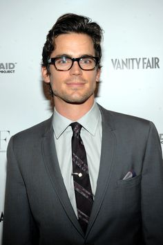 Matt Bomer has been cast to play Blaine's older brother, Cooper Anderson, on the long awaited new episode of Glee.    Can you say dreamy?