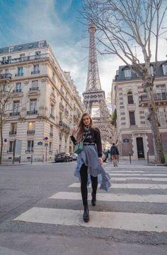 : If the Tour Eiffel is the symbol of Paris, the Cathédrale de Notre Dame de Paris is its heart. Sitting on the banks of the Seine, this splendid architectural masterpiece is a certain Paris France, Nice, Marseille France, Disneyland Paris, Disneyland Ideas, Paris Torre Eiffel, Tour Eiffel, Paris Pictures, Travel Photos