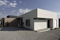 House for two artists by M + N Arquitectos