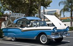 1957 Ford Fairlane 500 Skyliner - blue & white   AWESOME!!!