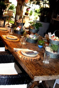 Wood Slice Plate Charger plus look at the table and linens...I am in love