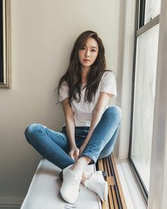 White Plain Tee with Maong Pants and Sneaker Fashion of Jessica Jung Jessica Snsd, Jessica & Krystal, Krystal Jung, Girls Generation Jessica, Girl's Generation, Seohyun, Asian Woman, Asian Girl, Jessica Jung Fashion