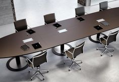 Fantoni: Multipliceo modular conference table