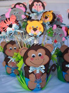 Safari / Chango/ Centro de mesa para Baby shower de por BeFestive Monkey Centerpiece, Safari Centerpieces, Foam Crafts, Baby Crafts, Crafts For Kids, Zoo Birthday, Birthday Treats, Baby Shower Parties, Baby Boy Shower