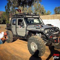 jeepflow: Check out @batzaoffroadmotorsports beast! #jk #jeep #beast #jeeps #JEEPFLOW