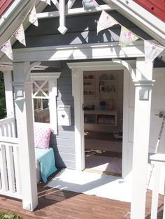 Building your little one a playhouse in the backyard will surely make them happy. There are a few things you should know before you build a playhouse for kids. Kids Playhouse Plans, Kids Indoor Playhouse, Backyard Playhouse, Build A Playhouse, Backyard Games, Kids Cubby Houses, Play Houses, Playhouse Interior, Kids Yard