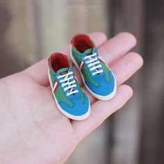 Gallery with doll shoes made by Tatiana Bugai from Striped Box. Disney Baby Clothes, Baby Disney, Cute Gift Wrapping Ideas, Club Chelsea, Shoe Pattern, Mini Things, Doll Shoes, Custom Dolls, Doll Accessories