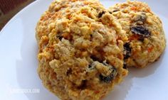 Carrot cakes with dried fruit - sweets without sugar!