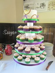 dream catcher wedding cake and cupcakes