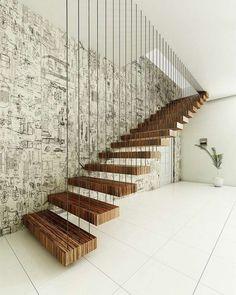 escalier intérieur suspendu en bois