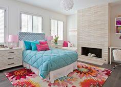 60 идей комнаты для девочки-подростка: цвет, зонирование, аксессуары http://happymodern.ru/komnata-dlya-devochki-podrostka/ Просторная спальня с камином