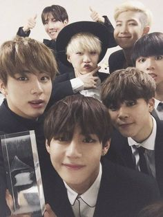 Image discovered by Jung Cho-Hee. Find images and videos about kpop, bts and jungkook on We Heart It - the app to get lost in what you love. Jung Hoseok, Kim Namjoon, K Pop, Got7, Bts Selca, Bts Bangtan Boy, Jimin Jungkook, Bts Taehyung, Jung So Min